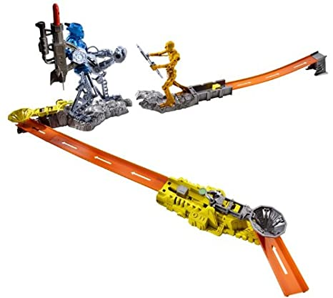 Finish Line Free Shipping Trick >> Amazon Com Hot Wheels Trick Tracks Cyborg Blaster Starter Set Toys