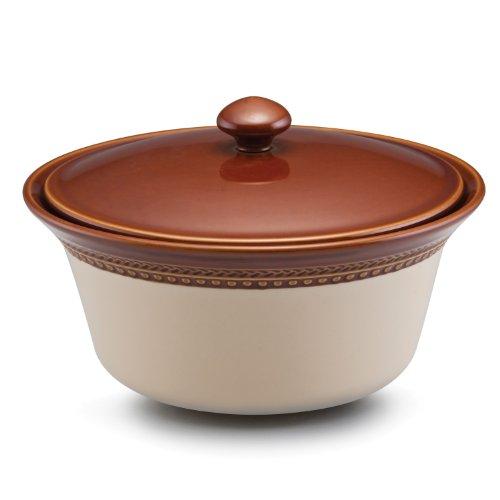 Paula Deen Signature Dinnerware Southern Gathering 2-1/2-Quart Covered Stoneware Casserole, Chestnut