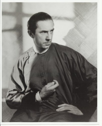 Bela Lugosi 8x10 Photo operating gown