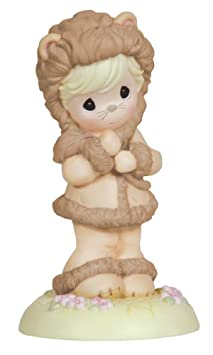 Enesco Disney Traditions by Jim Shore 4016589 Classic Winnie The Pooh with Butterfly Figurine 6-Inch