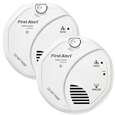 First Alert SA511CN2-3ST Interconnected Wireless Battery Operated Smoke Alarm with Voice Location, 2-Pack