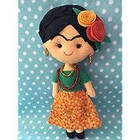 Muñeca artesanal de fieltro inspirada en Frida Kahlo/falda flores mini
