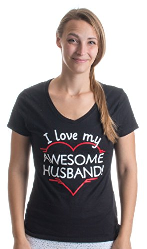 I love my Awesome Husband! | Cute Marriage Hubby Heart Ladies' V-neck T-shirt