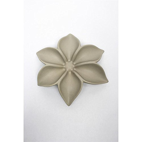 Madison Collection Sasa 9In Taupe Wall Flower
