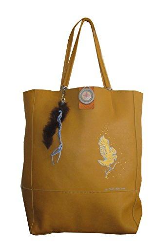 Pocahontas Hawk Shopper