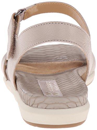 f6de617d998a Naturalizer Women s Selma Flat Sandal - Import It All