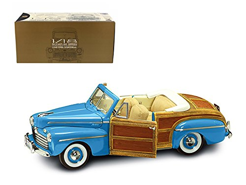 Maisto 1946 Ford Sportsman Woody Green With Leather and Wood 1/18 Car Model by Road Signature