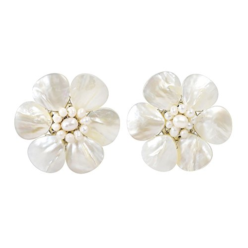(Pretty White Mother of Pearl Flower Clip On Earrings)