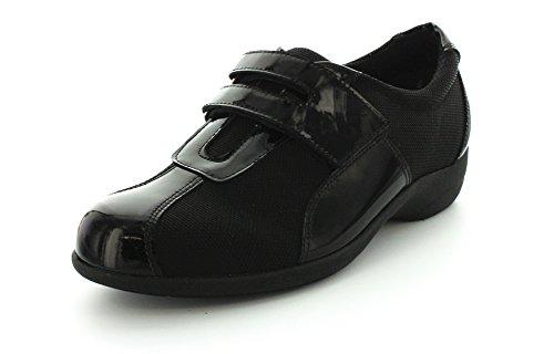 Munro Womens Jolie Black Fabric/Black Patent Sneaker - 6 W