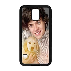 Harry Styles Holding The Puppy Design Plastic Case Cover For Samsung Galaxy S5