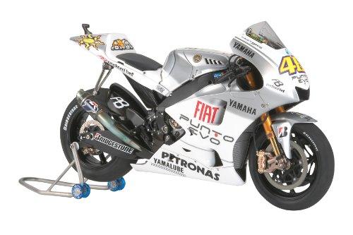 Yamaha Yzr-m1 '09 (fiat Yamaha Team) - 1:12 Motocycle - Tamiya