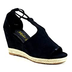 DBDK is a fashion shoe brand based in California. DBDK shoes offer a wide array of styles including heels, wedges, flats, shoes, sandals and boots. @aridergirls