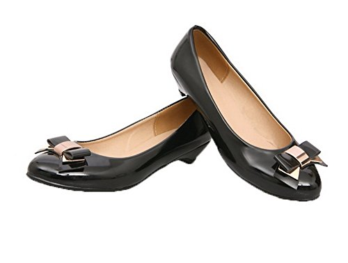 VogueZone009 Women's Pull-On Low-Heels Patent Leather Round-Toe Pumps-Shoes Black Jf0It