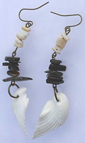 Black lip shell (natural) + MOP Chip Beads + Angel Wing and Bronze Fish Hook (Lip Mop)