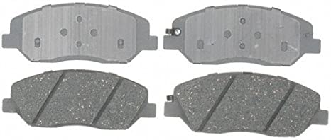 ACDelco 14D699CH Advantage Ceramic Front Disc Brake Pad Set with Wear Sensor