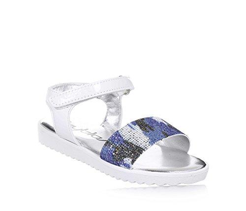 BYBLOS - Weiße Sandale aus Glanzleder, vorne ein Band mit hellblauem Camouflage-Muster mit Strass, Mädchen