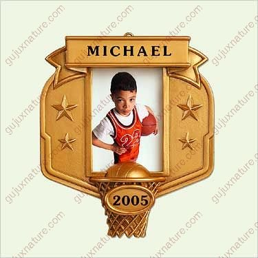 EVERY KID'S A STAR - BASKETBALL 2005 Hallmark Ornament QXG4752 (Ladies Personalized Basketball)