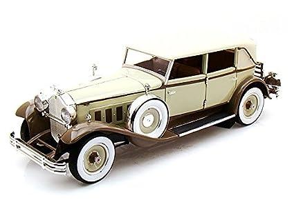 Amazon.com: 1930 Packard ocho Brewster 1/18 tan-coffee: Toys ...