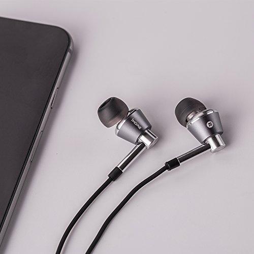 1MORE Triple Driver Auriculares intrauditivos Auriculares de alta resolución con alta resolución, sonido de bajos, MEMS Mic, control remoto en línea, alta fidelidad para teléfonos inteligentes /PC /tableta - Plateado