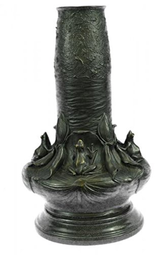(Admirable NUDE LADY VASE BRONZE SCULPTURE BY AUGUSTINE MOREAU)