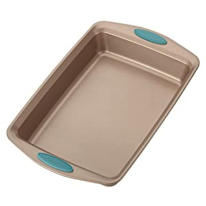 Rachael Ray Cucina Nonstick Bakeware Cake Pan, Latte Brown with Agave Blue Handles