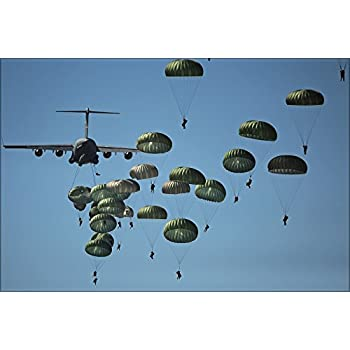 Free stock photos of <b>paratroopers</b>