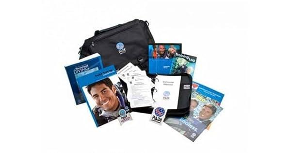Amazon.com: PADI Divemaster Crew Pack materiales de ...