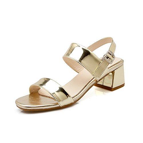 Amoonyfashion Kvinna Fast Lackläder Kattunge-häl Spänne Sandaletter Guld