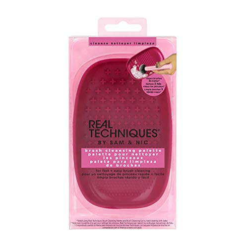 Real Techniques Heat Resistent Brush Cleansing Palette, For Removing Makeup, Oil & Impurities from Brush Bristles for a Truer, More Consistent Color Application (Packaging May -