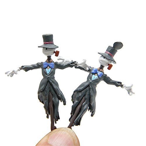 Kimkoala Miniature Scrarecrow Toys, 2Pcs PVC Hayao Miyazaki Anime Action Figures Miniature Gaden Decoration Figurines Toys For Micro Landscape Ornaments