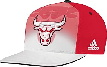 Chicago Bulls Adidas NBA 2011 Draft Snap Back Hat  Amazon.co.uk ... dcd33bacb618