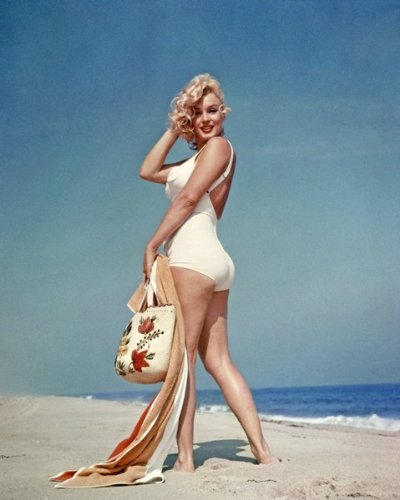 Marilyn Monroe Vintage Lady on Beach 003 8x10 PHOTO - Marilyn Monroe Photographs