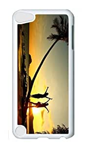 Ipod 5 Case,MOKSHOP Cute beach girl sunset fun Hard Case Protective Shell Cell Phone Cover For Ipod 5 - PC White