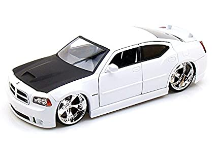 Amazon 2006 Dodge Charger Srt8 Hemi 124 White Toys Games