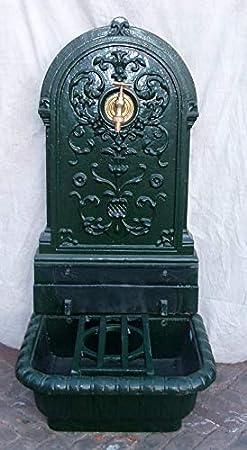 Fuente de Hierro Forjado 80. Fuente rústica, Muy Decorativa. Su diseño clásico le da un Aspecto Antiguo. Disponible en Color Negro, Oxidado y Verde.
