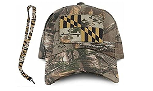 2cb0c05bb Amazon.com  Maryland Flag RealTree Xtra Camo Adjustable Hat (One Size fits  Most) and Lanyard (0780347440799)  Books