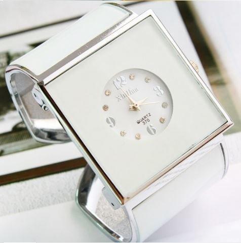 2014 New ArrivaL Women's Elegant Square Bracelet Ladies Quartz Dress Watch - White (Watch Vintage Calculator)