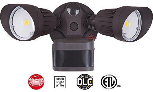 20 Watt LED Motion Sensor Flood Light – Bronze Color - 1,750 Lumen – Super Wide 240 Degree Motion Sensor Angle – 5000K Bright White –20 Year LED- Floodlight Wall Light w/Motion Sensor [並行輸入品] B07R8PVKFT