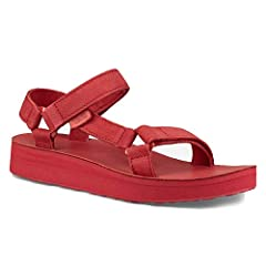 Add a little luxury to your summer look with the sporty chic style of the Teva® Midform Universal Leather sandal.  Rich supple leather upper.  Open toe construction prevents water from pooling. Universal strapping system offers an excellent ...