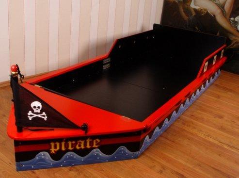 piraten kinderbett finest boot bett pirat design x. Black Bedroom Furniture Sets. Home Design Ideas