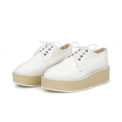 Allhqfashion Mujeres Lace Up Kitten Heels Microfibra Sólida Square Cerrado Dedo Del Pie Bombas-zapatos Blanco