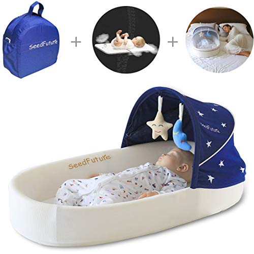 Baby Lounger, Portable Baby Bed for Newborns with 1 Canopy and 1 Mosquito Net. Baby Sleeper with a 5° Gentle Slope Mattress and 2 Toys. Baby Travel Bassinets Suitable for Babies from 0-10 Months(Blue)