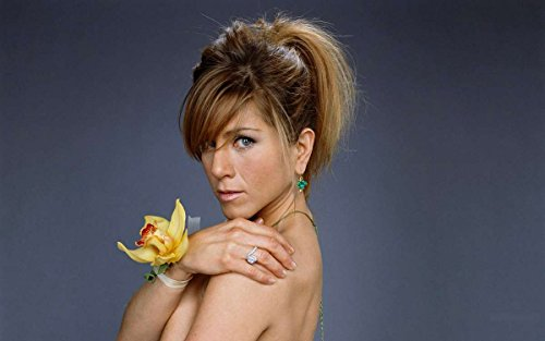 Jennifer Anniston Strapless Corsage Top Modeling Side Top Photo (8 inch by 10 inch) PHOTOGRAPH TL