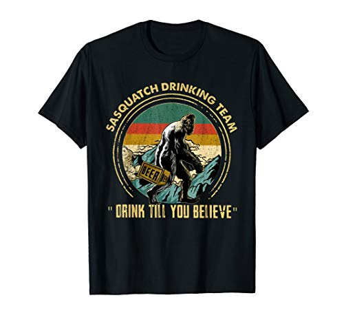 (Bigfoot Sasquatch Drinking Team Drink Vintage T-Shirt )
