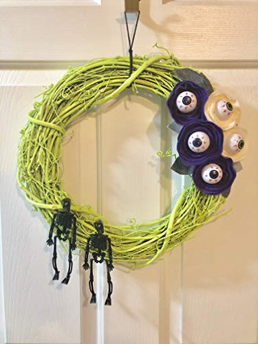 Green Skeleton Wreath with Felt Eyeball Flowers - Halloween Wreath - Skeleton Duo Wreath - Halloween Decor - Fall Wreath - Felt Flower -