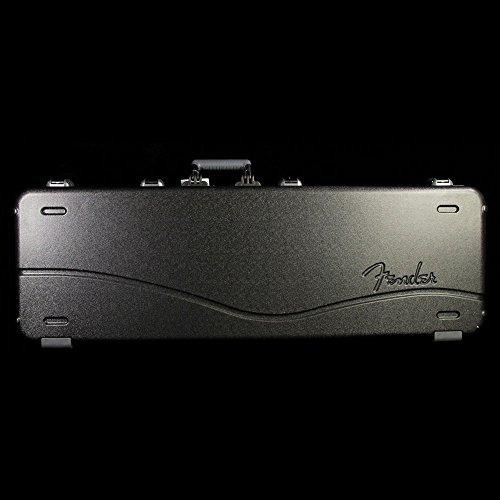 Fender Deluxe Molded Bass Case by Fender