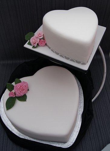 Soporte para tartas para boda o en mesas de diseño de cubo - Con forma de