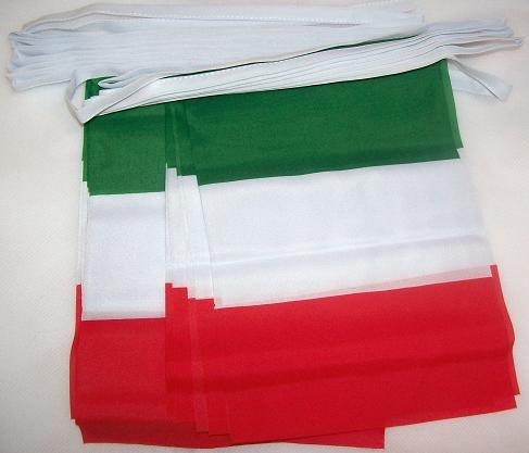 AZ FLAG Italy 6 Meters Bunting Flag 20 Flags 9'' x 6'' - Italian String Flags 15 x 21 cm