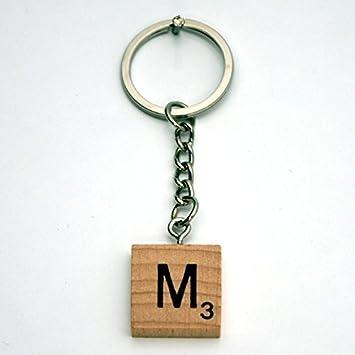 Amazon.com: Scrabble Tile llavero M de madera por palabras ...