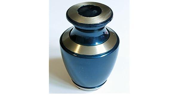 Amazon.com: Urna funeraria por - Recuerdo de Cremación Urna para cenizas Humanos - Hand Made in Brass - Se adapta una pequeña cantidad de restos cremados de ...